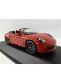 """Модель автомобиля """"Porsche 911 (991) Carrera GTS Cabriolet 1:43"""", красный"""