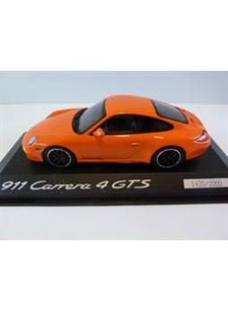 """Модель автомобиля """"Porsche 911 (997 II) Carrera 4 GTS 1:43"""", оранжевый"""